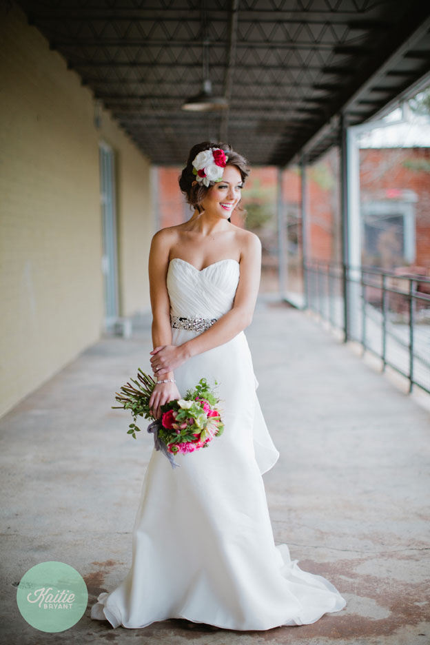 Beautiful Bride and Bouquet // Photo by Kaitie Bryant